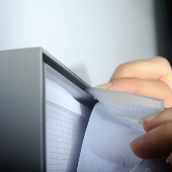 φωτεινά συστήματα προβολής (σταντ)εκτυπώσεων μονής ή διπλής όψης, για events, in-store merchandising, βιτρίνες καταστημάτων