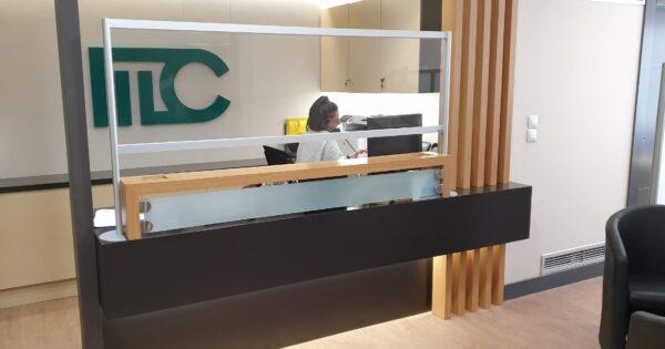 Προστατευτικά Plexiglass reception-ταμείου